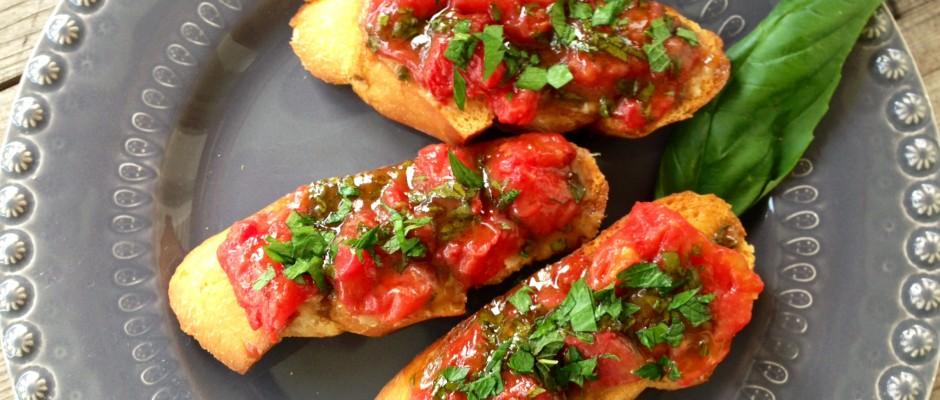 Heirloom Tomato and Roasted Garlic Tartine