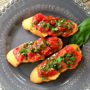 Heirloom Tomato and Roasted Garlic Tartine