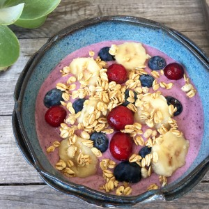 Coconut Berry Smoothie Bowl